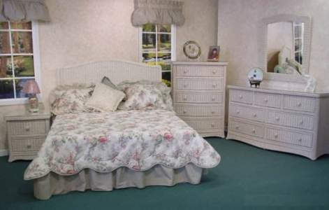 White wicker bedroom furniture I really like this!