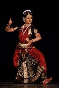 Danse Bharatanatyam (Inde) > Musée Guimet (the cosmic dance of Nataraja Shiva)