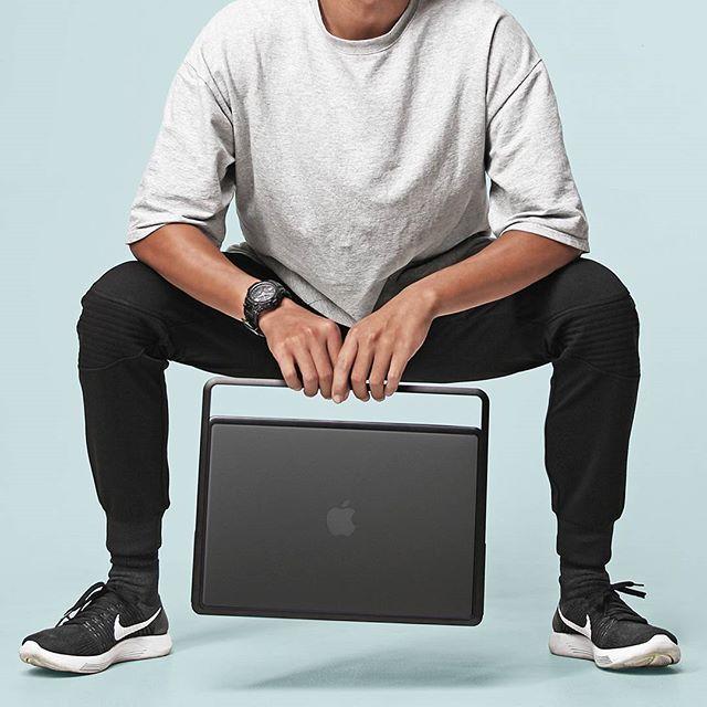 LIFT and Go! Beyond carrying your Macbook . . #lift #liftandgo #macbook #mac #macbookpro #apple #kickstarter #tech #design #industrial #minimalism #minimal #clean #industrialdesign #style #urban #urbanstyle #dope #streetfashion #streetstyle #streetlook #streetstyle #fashion #menswear #menstyle