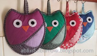 Hand-in-pocket Owl Pot Holders | A Blissful Burrow