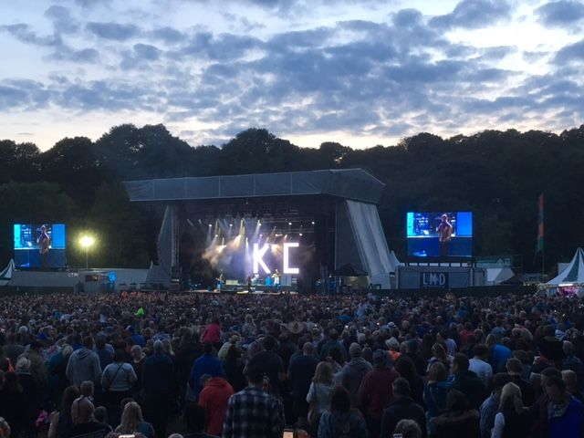 Kaiser Chiefs rock sun-kissed Bingley Music Live: #kaiserchiefs