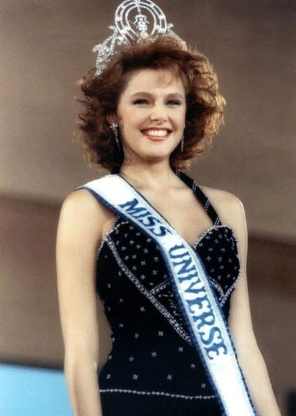 Mona Grudt - Norway - Miss Universe 1990