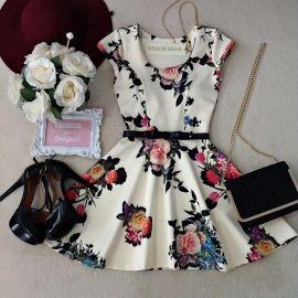 Vestido Manguinha  Lalá  Neoprene C/ BOJO FECHADO  nas costas( Estampa  Flowers /Fundo OFF)