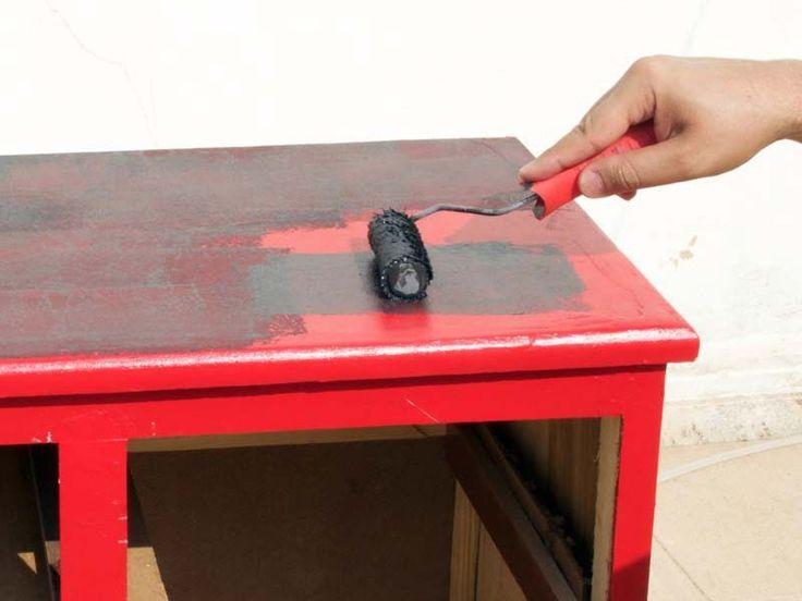 Aqui vai um método mais fácil para lixar e reformar móveis.