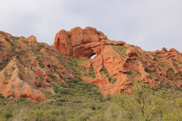 The Red hills between Oudtshoorn and Calitzdorp