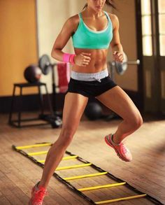 Mulher treinando HIIT