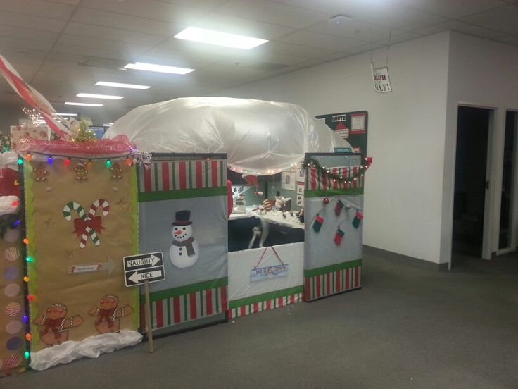 Christmas Door Decorating Ideas Snow Globe : Snow globe cubicle christmas decorations