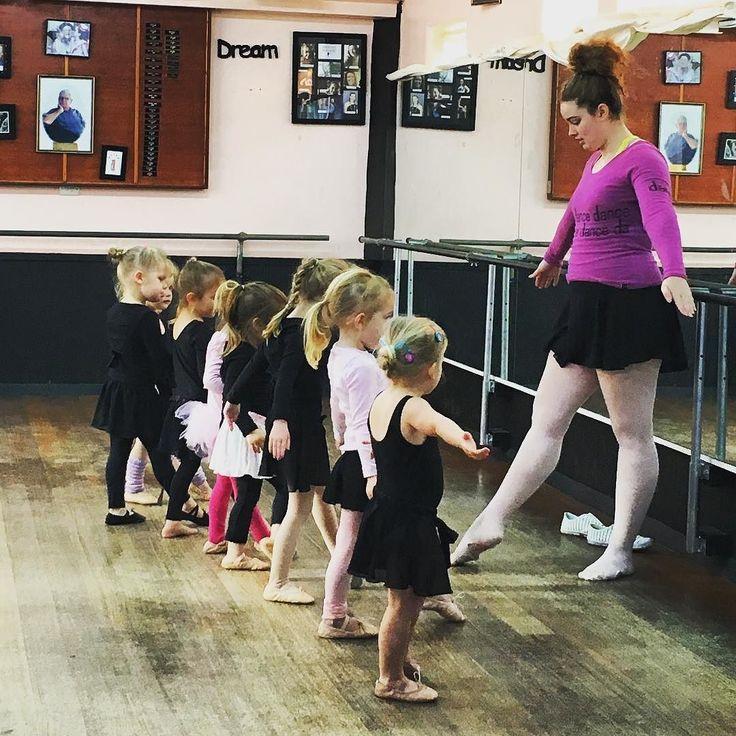 Our little ballerinas learning their new concert dance #gorgeous #littleballerina #ballet #fournado #dancing #warrnambool #robinsschoolofdance #live3280 #love3280 #destinationwarrnambool @destinationwarrnambool by melhapp