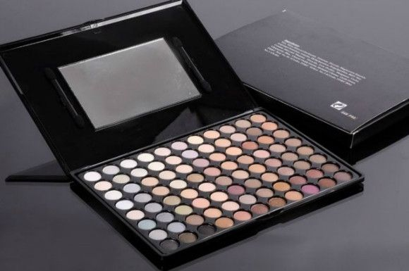M.AC 88 COLOR EARTHTONE EYE SHADOW PALLET 1PCS