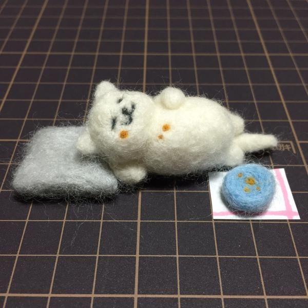Twitter@ykki55 羊毛でまんぞくさん作った! #ねこあつめ #羊毛フェルト pic.twitter.com/iVNk0Si9AU
