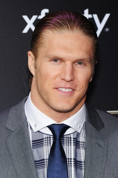 Clay at NFL honors http://alcoholicshare.org/
