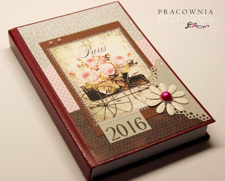 Kalendarz książkowy na 2016 rok ręcznie ozdabiany