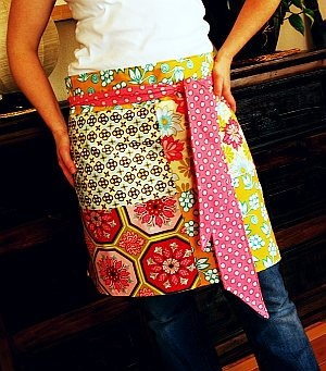 @Heather Apgar - I need one!! - Everyday Hostess Apron ePattern #sewing