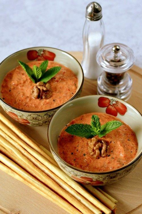 Mentás-diós sültpaprika-krém recept