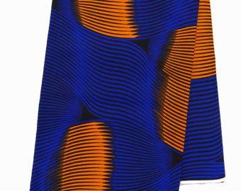 Halve werf Afrikaanse print stof  Deze mooie Afrikaanse wax print stof, ook bekend als Ankara, is ideaal voor het maken van unieke kleding, in het oog springende home decor projecten, geweldige accessoires, en vele andere projecten.  Door de werf verkocht. 100% katoen, 46 inch breed.  Kleuren kunnen iets afwijken van uw beeldscherm.
