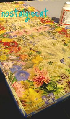nostalgiecat: Saturday DIY tutorial.....napkin decoupage table top