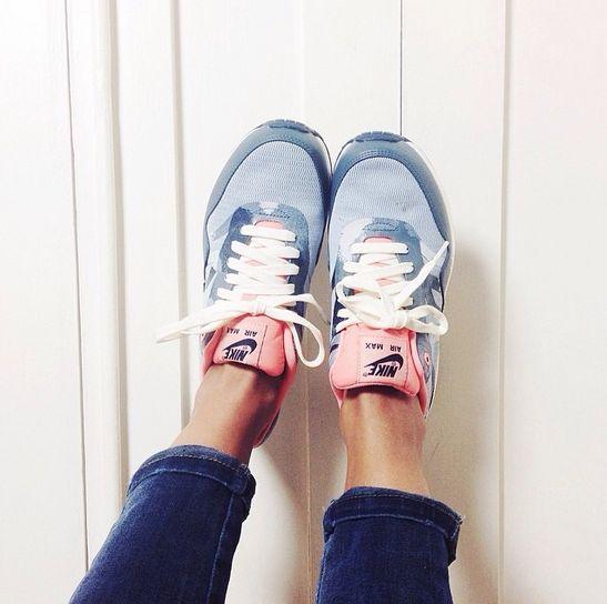 sneakers - Nikes! Ik wil ze allemaal! Stoer, nonchalant, comfortabel en deze vind ik ook lekker girly.