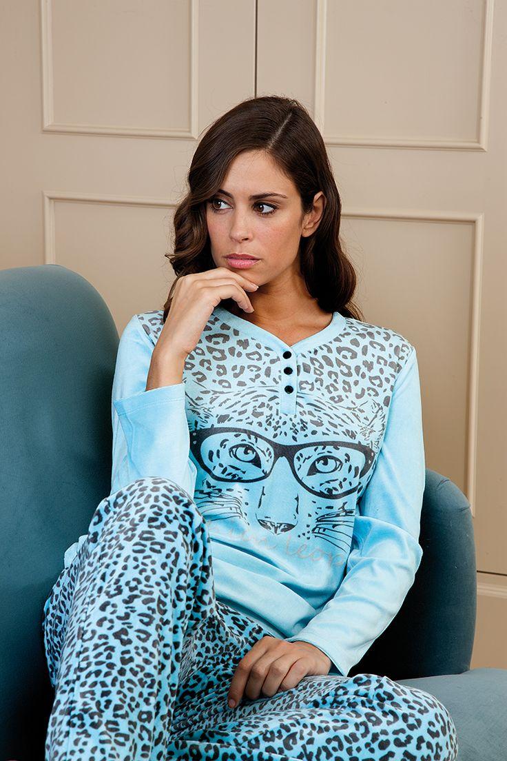 pijama terciopelo con estampado animal #egatex #printanimal #sleepwear #pijama