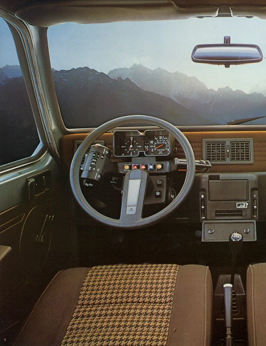 Vintage view from the Citroën Visa (1978).