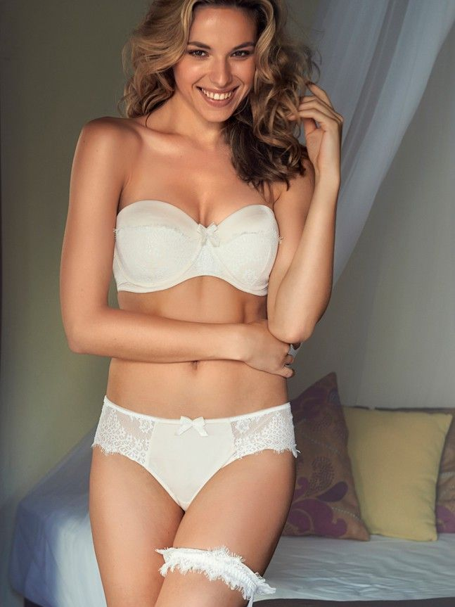 Change scarlett padded strapless multiway bra in angelwing for Padded strapless bra for wedding dress