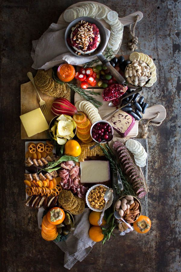 How to Build the Ultimate Sweet and Savory Charcuterie Board    @gfsnacksquares @beardandbonnet