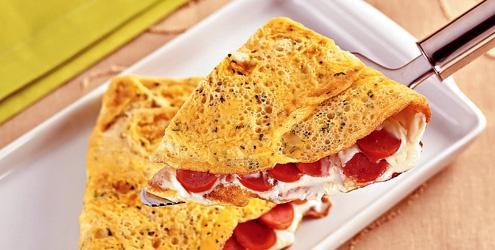Omelete de salsicha, fácil e barato.