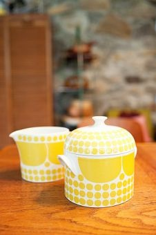 Retro Sugar Bowl & Milk Jug