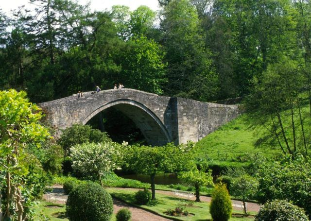 Brig O' Doon (the bridge over which Tam O'Shanter escaped from the witches in the poem of the same name) at Alloway, Ayrshire