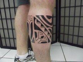 tatuajes detras pierna gemelo polinesios maoris samoa mixto original tattoo studio robertto mejores tatuadores