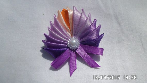Kanzashi Satin Ribbon Brooch / Pin by tianadesign on Etsy