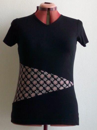 maglia allungata con triangolo Jersey fantasia e fondo maglia capovolto