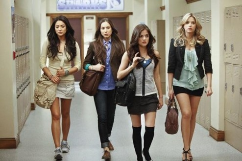 Four friends band together against an anonymous foe who threatens to reveal their darkest secrets, whilst unraveling the mystery of the murder of their best friend.: Knee High, Everyday Fashion, Style, Pll, Outfit, Colleges Closet, Just Girly Things, Justgirlythings, Pretty Little Liars