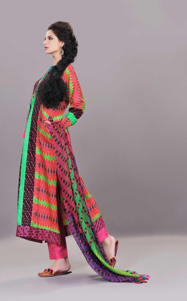 Pakistani Woman Fashion 100%!!