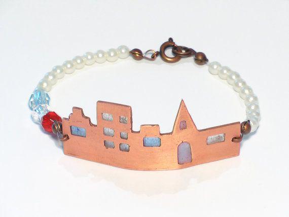 Kralen armband met Amsterdamse grachtenhuisjes door JackysJewels, €15.00