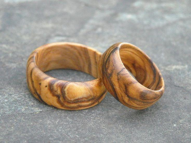 Alianzas de madera de olivo