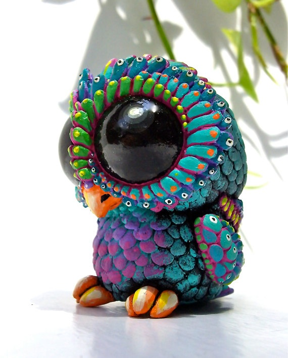 Sculpture Baby Owl, Resin Toy, Designer Toy, Mini Figure, Peacock, colorful, Blue, Purple, Green, Pink, Button Eyes