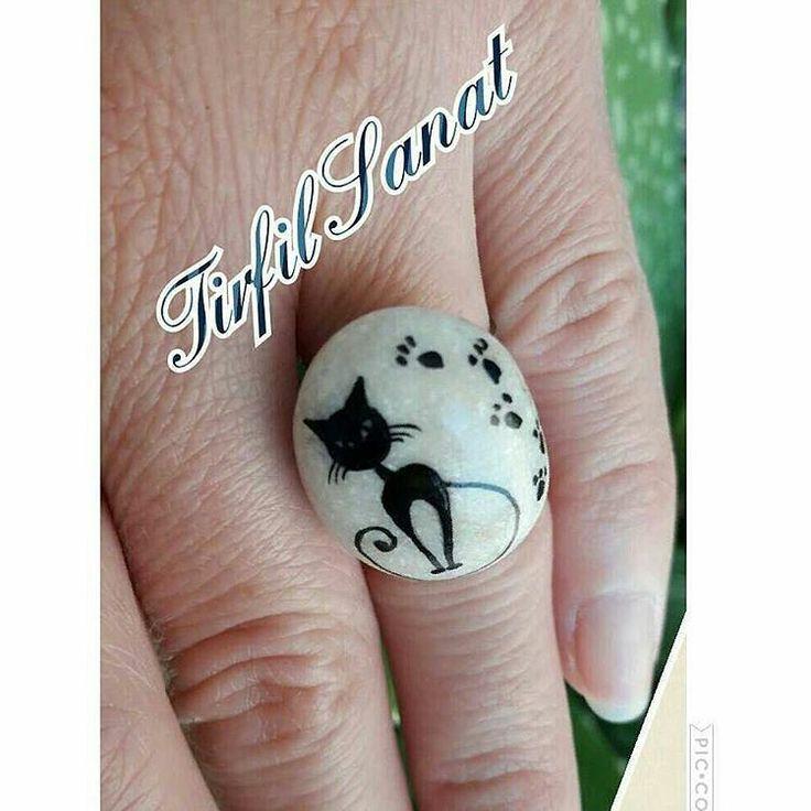 #çakıltaşı #çakıl #taş #taşboyama #elboyama #elyapımı #elemeği #yüzük #taşyüzük #rockpainting #rockart #stone #stoneart #pebbleart #pebblering #handmade #handmadegifts #handmadering #handmadejewelry #jewelery #jewellerydesign #cat #blackcat #siyah #kedi #takı #🐱 #hobinisat #10marifet #gülümse