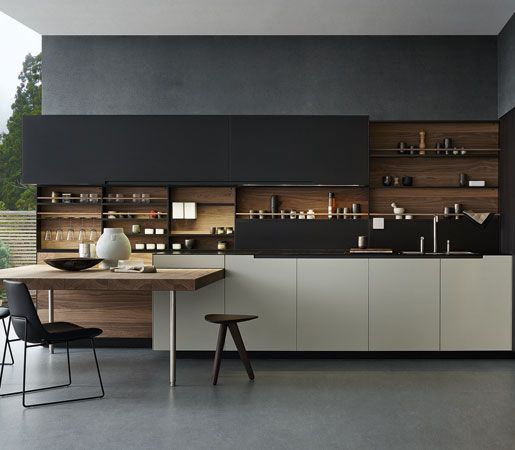 The Varenna collection from Poliform interprets the contemporary kitchen in its entire variety. The idea of a kitchen as a planned space in order to reflect the individuality of who lives in it: the avant-garde technical solutions and an always more personal stylistic choice are aligned with the idea of a home project that distinguishes Poliform conception of a contemporary house.