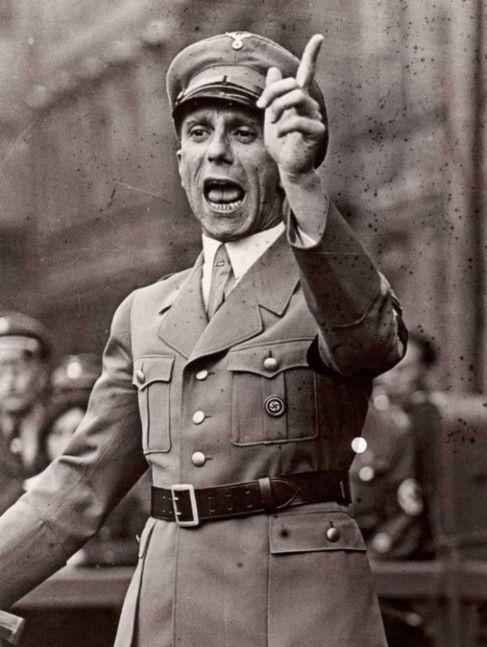 Los 11 principios de la propaganda nazi de Joseph Goebbels
