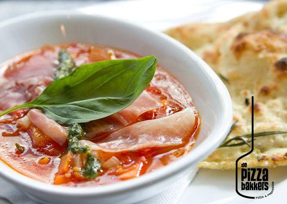 Zuppa di Pommodoro | tomatosoup, proscuitto ham, basilpesto #depizzabakkers
