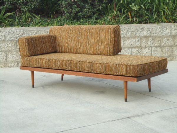 San Diego: Original Mid Century Modern COUCH / DAY BED With PEG LEGS $995