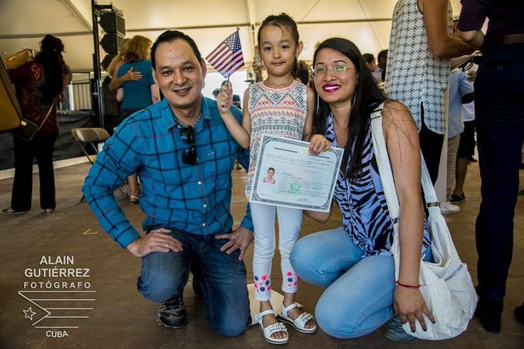 American travel log #6. American citizen. Sanvika Shrestha from Nepal is one of the 22 kids from 17 different countries that becomes American citizens yesterday at the National Mall Mall in DC. They all made a pledge of allegiance to the flag of the United States of America. They they all met a commitment even if they don't understand at all the real dimension of their pledge but they open a new door of opportunities for their own and their families future in this country. According to the…