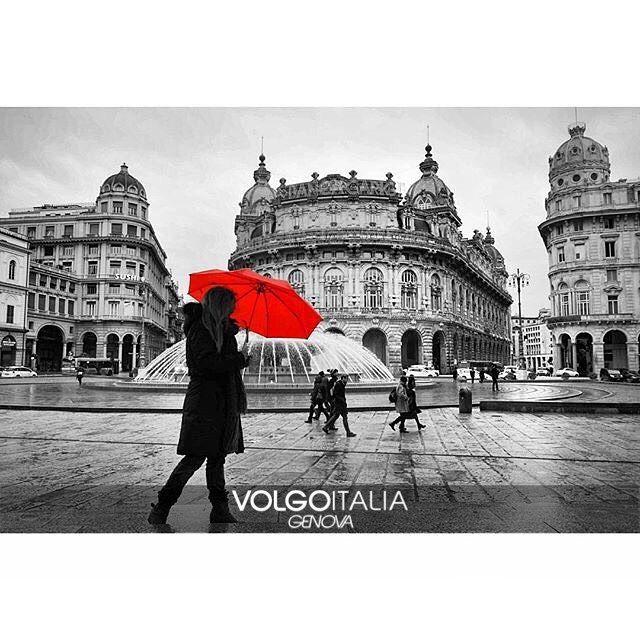 Piazza De Ferrari  Foto di @dimaio_gianmarco  #genova #volgogenova #volgoliguria #volgoitalia #volgosocial #italia #turism #trip #travel #instatravel #travelgram #turismo #travelingram #visit by volgogenova