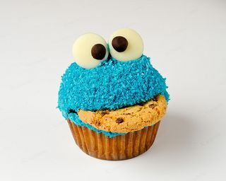 @Kayce Matthey Cookie Monster cupcakes with cookies!