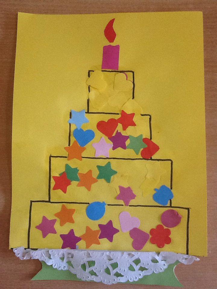 Thema vormen. teken van rechthoeken een taart en beplak hem met plakkertjes van vormen. Activiteit voor een jarige tijdens het thema.