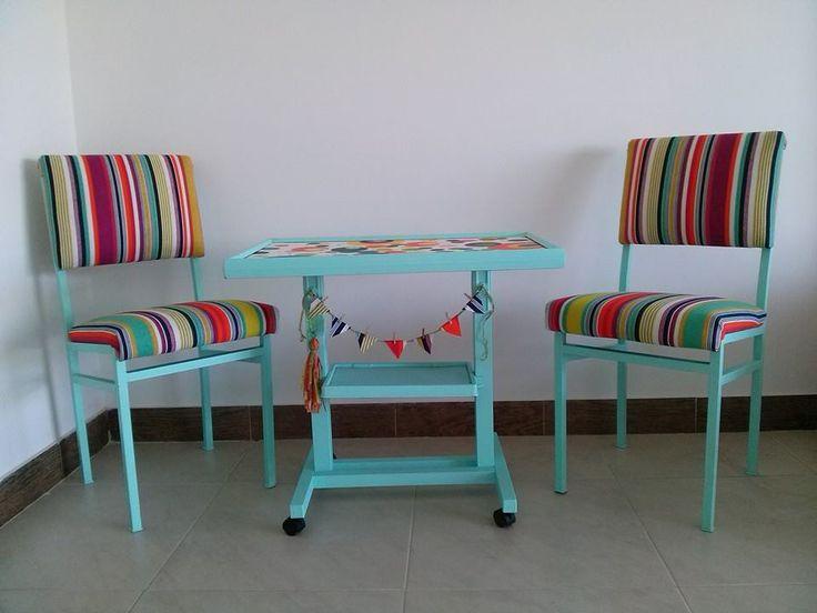 mesa y sillas recicladas