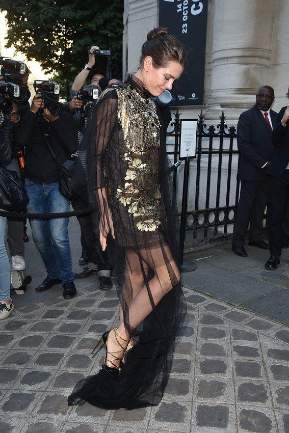 Carlota Casiraghi luciendo un minivestido de Gucci. 6 July 2016, Paris, France.