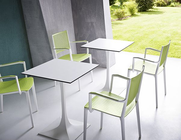 Kalipa, family practice seats, stackable, made from a combination of thermoplastic materials, which give the object an enviable comfortable sitting. Collection of chairs and stools suitable multifunctional outside and inside, they are available in different combinations of colors in full-color and bi-color, with armrest and without armrest.