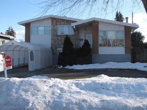 Grande maison située dans un secteur très recherché de Val Des Arbres à proximité des services et s...