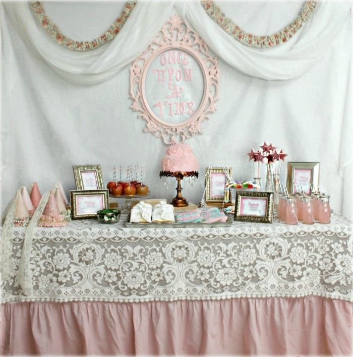 Vintage Princess Party: Tessa's Pretty Princess Party  http://mimisdollhouse.com/vintage-princess-party/